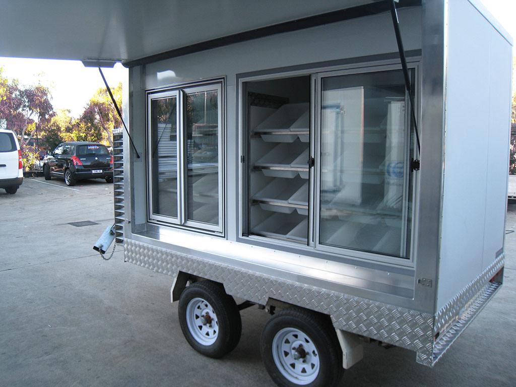 Portable Freezer Trailer : Mobile coldroom freezer vending trailers icehawk